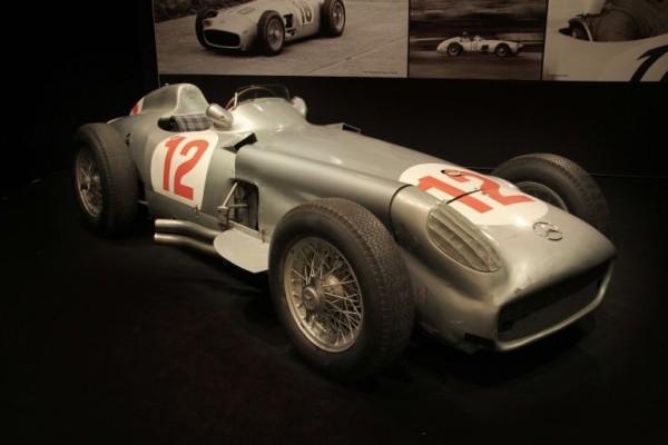 1954-mercedes-benz-w196-600x400