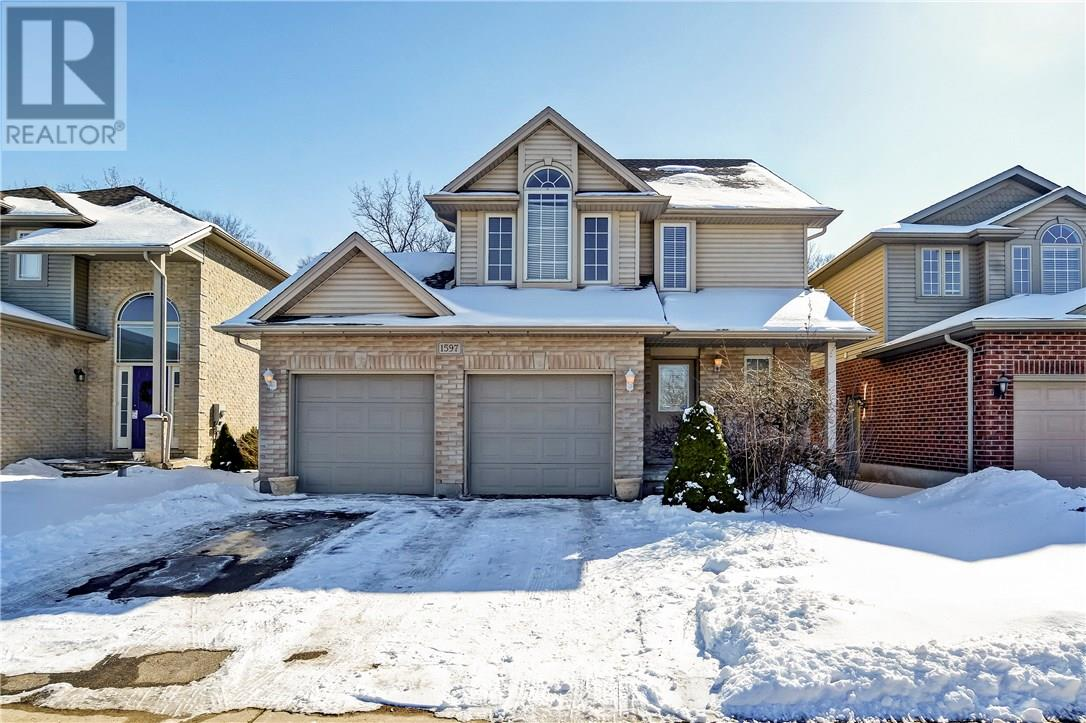 1597 BLACKMAPLE CRESCENT